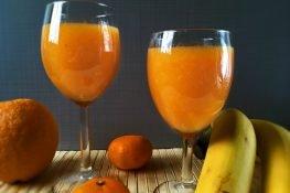 Sok z marchwi i mandarynek