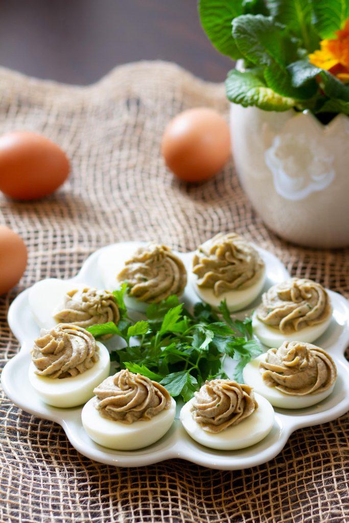 Jajka nadziewane kremem pieczarkowym