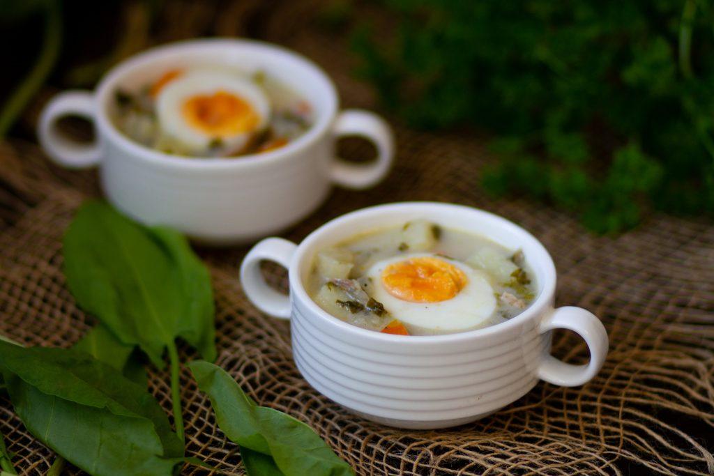 Zupa szczawiowa z jajkiem na twardo