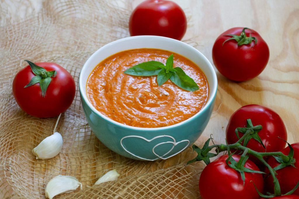 Sos pomidorowy do pizzy i innych dań